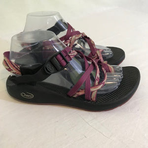 Chaco raspberry pink strappy womens sandals